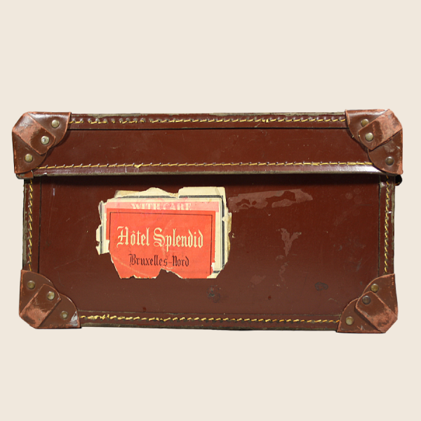 vintage_brown_leather_suitcase_