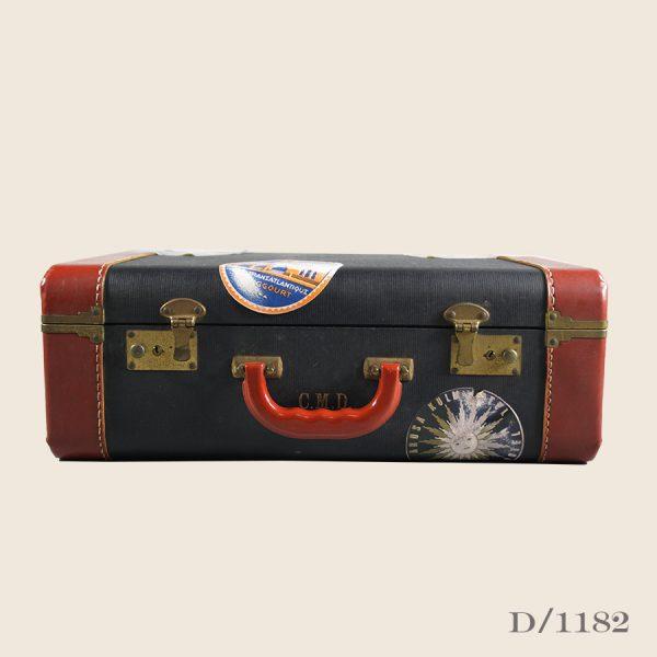 Vintage overnight suitcase leather storage luggage