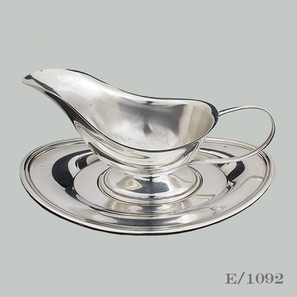 Vintage Silverplate Gravy or Sauce Boat on Stand