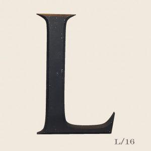 Reclaimed resin black letter L