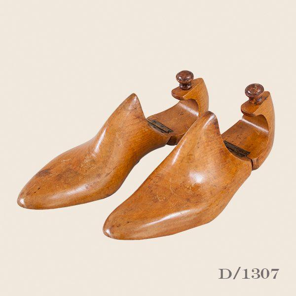 Pair of Vintage Mens Wooden Shoe Lasts