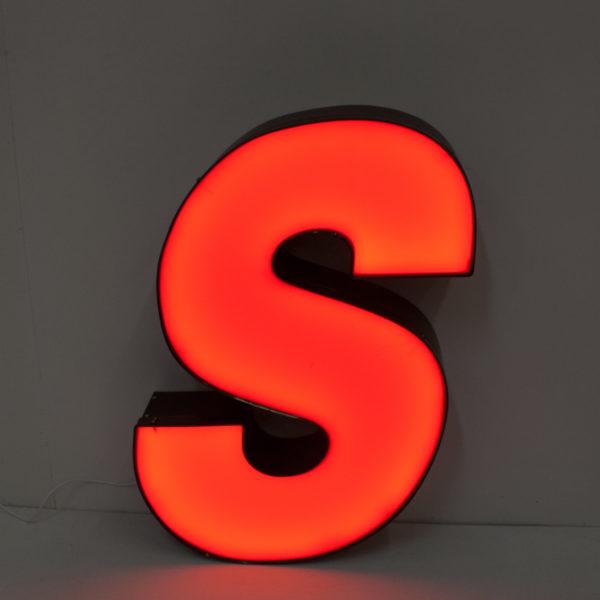 Reclaimed Italic Red Letter Light S