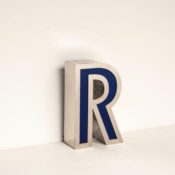 Reclaimed Small Letter Light R